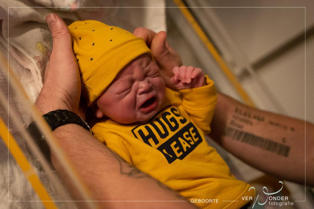 pasgeboren jongetje umcg